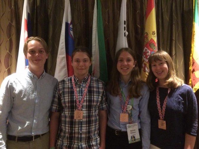 Tre bronsmedaljer i årets biologiolympiad!